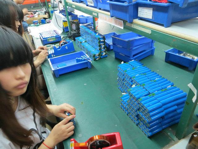 18650锂电池组 移动电源电池组 4并1串 4800mah-10400